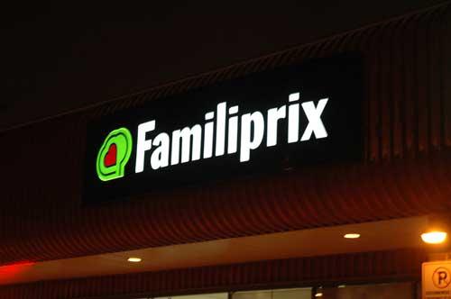 Familiprix, entrée, enseignes, lumineux, pharmacie
